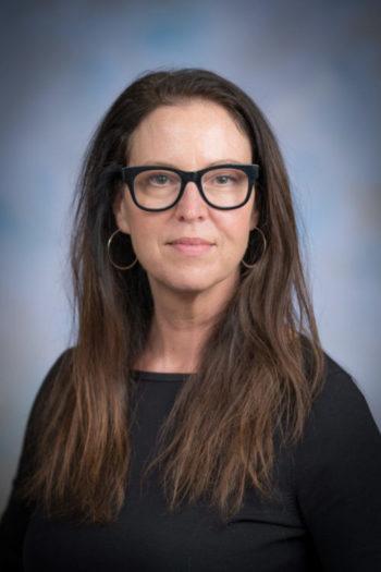 Elissa Braunstein headshot