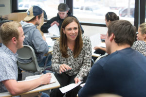 elizabeth williams working with students.