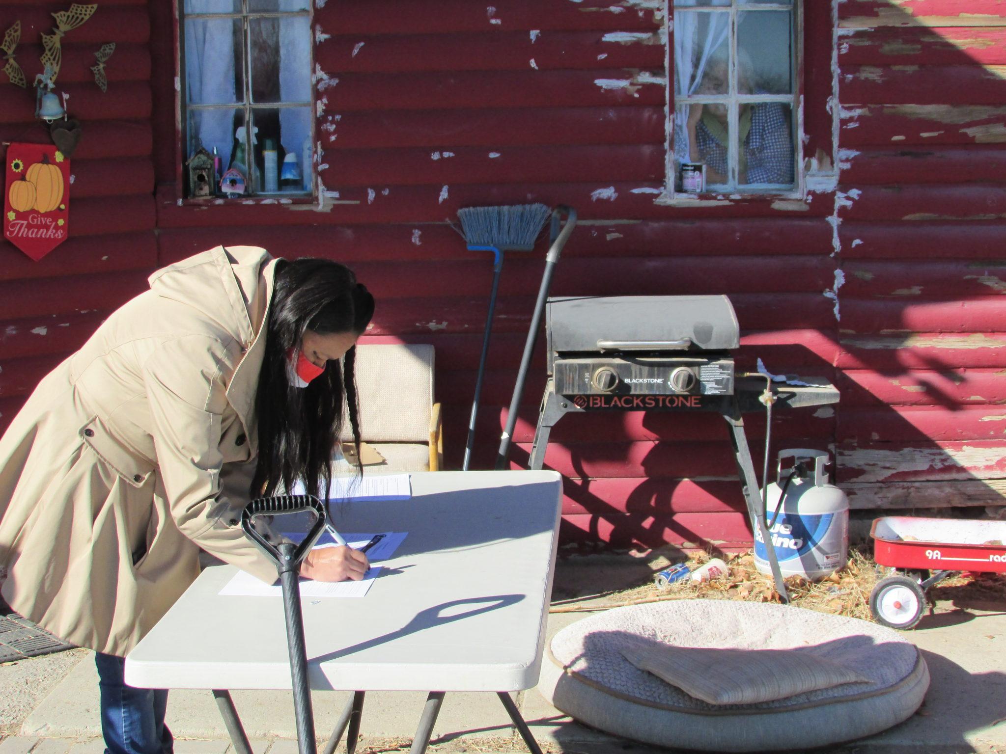 Yufna signing paperwork